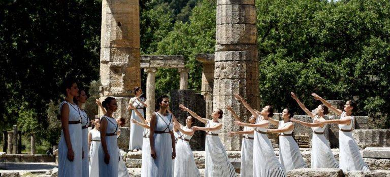 Τιμώνται οι συντελεστές της αφής της Ολυμπιακής φλόγας