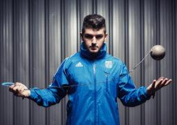 Σφυροβολία – ποδόσφαιρο 1-0